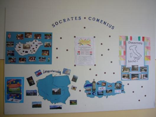 Comenius faliújság iskolánk I. emeletén